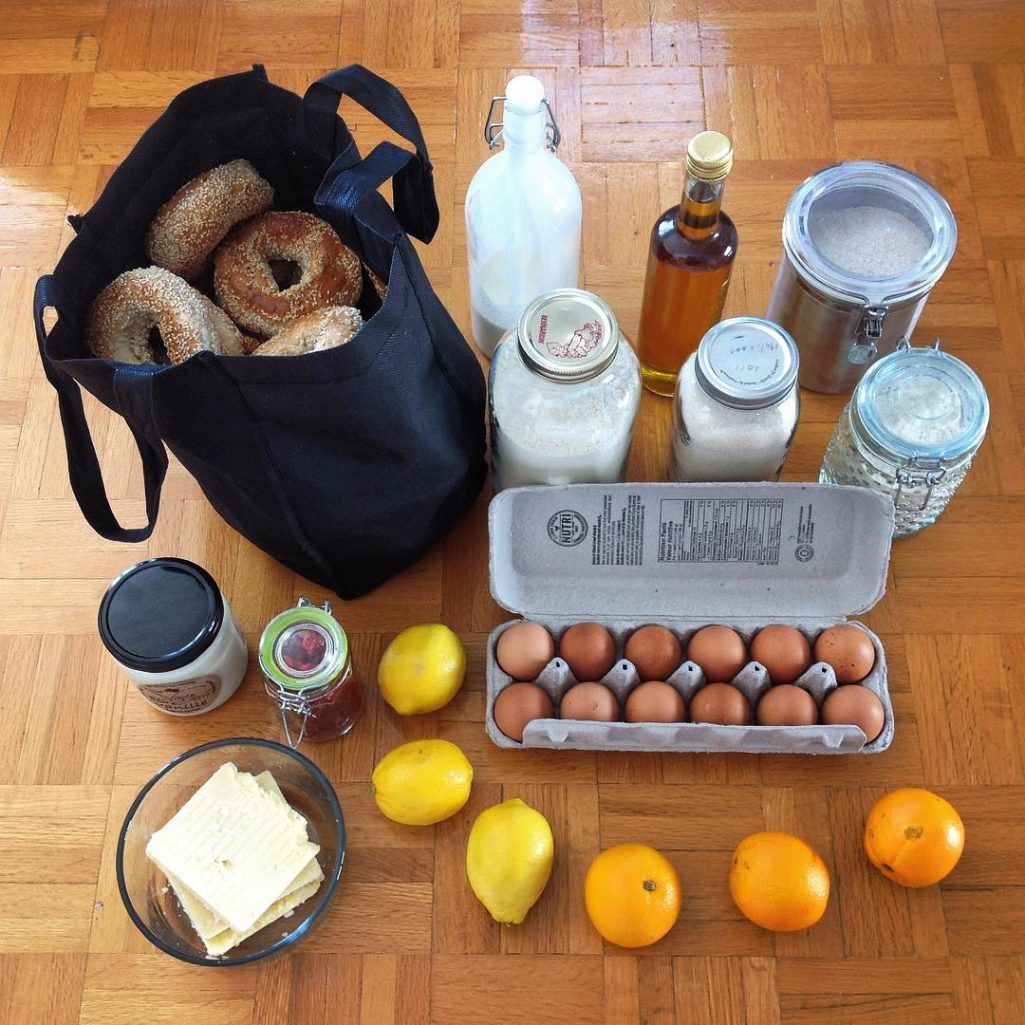 tiny trash can zero waste groceries bulk shopping