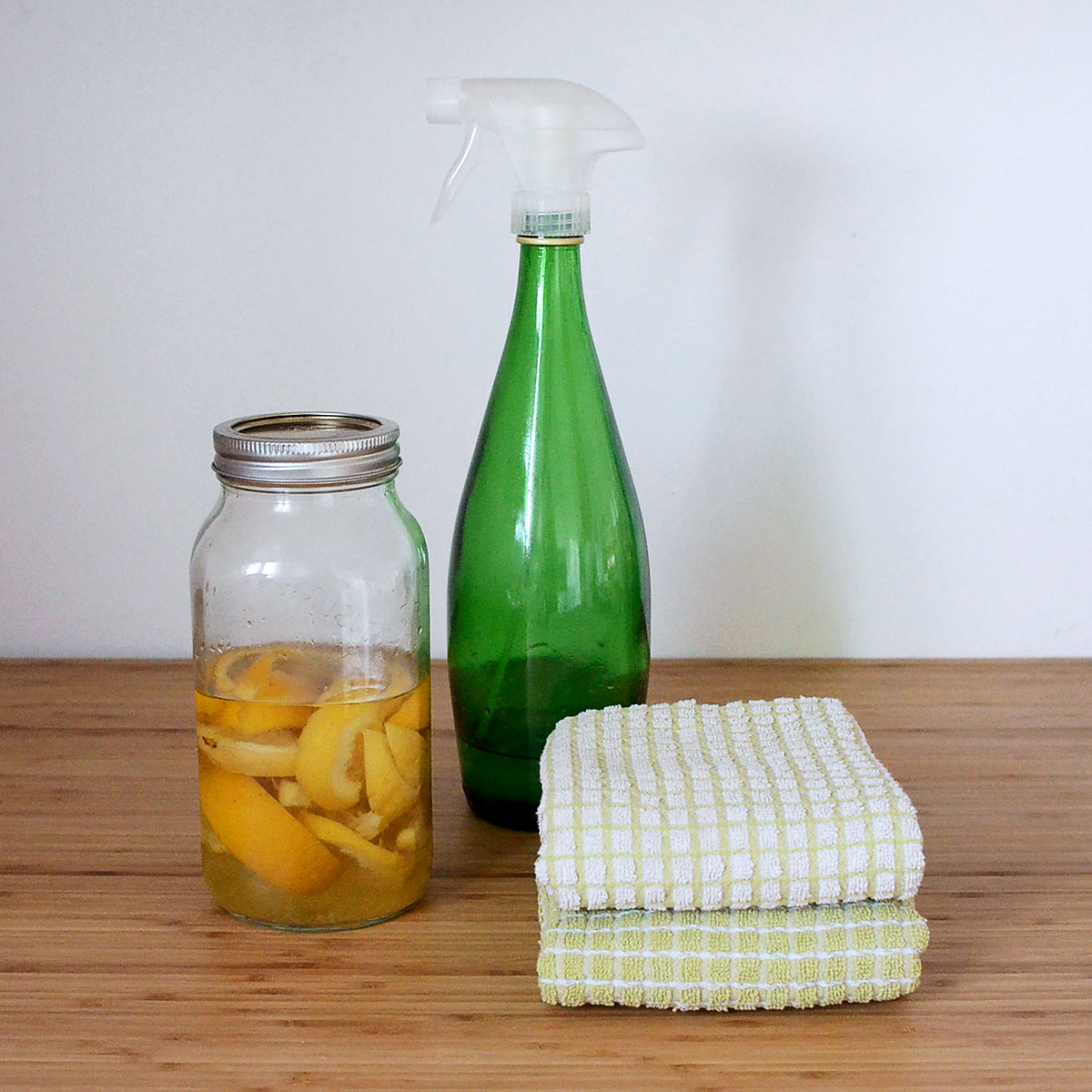 tiny trash can diy all-purpose cleaner recipe